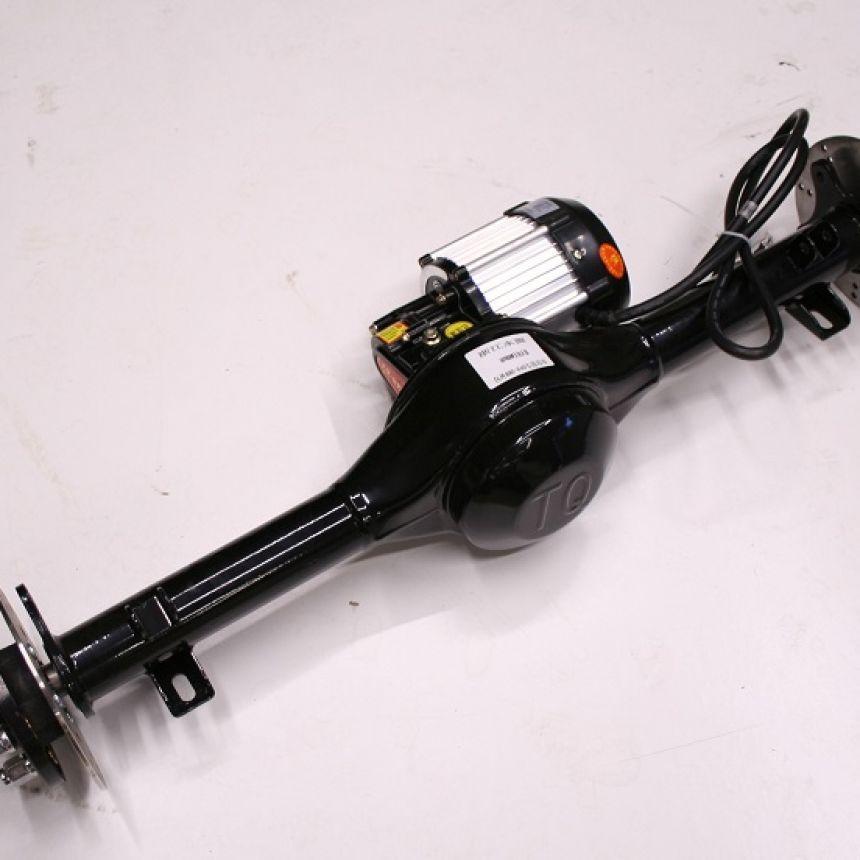 Autokruiser: Taka-akseli ja moottori