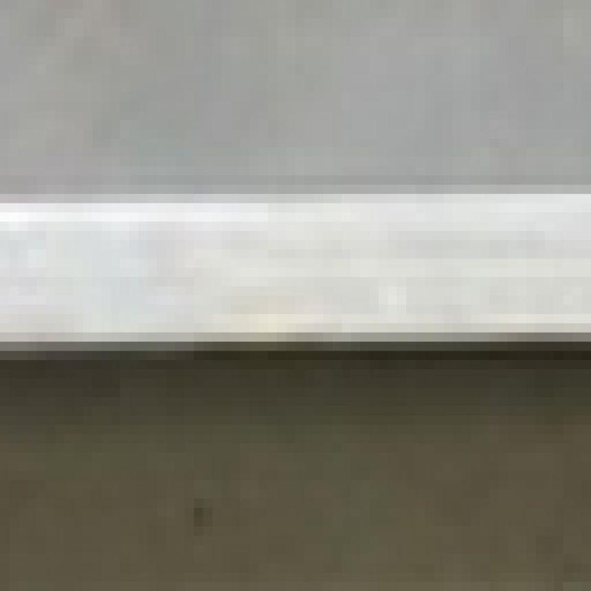 Autokruiser: Battery compression bar