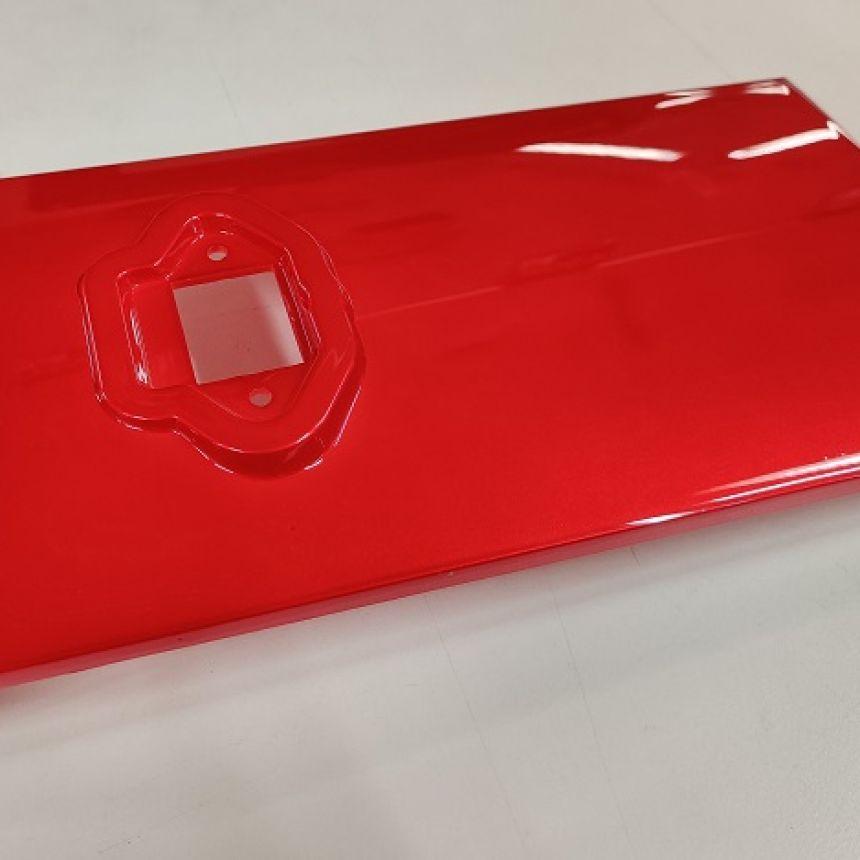 e-Move: Koripaneeli istuimen alla etupuolella punainen